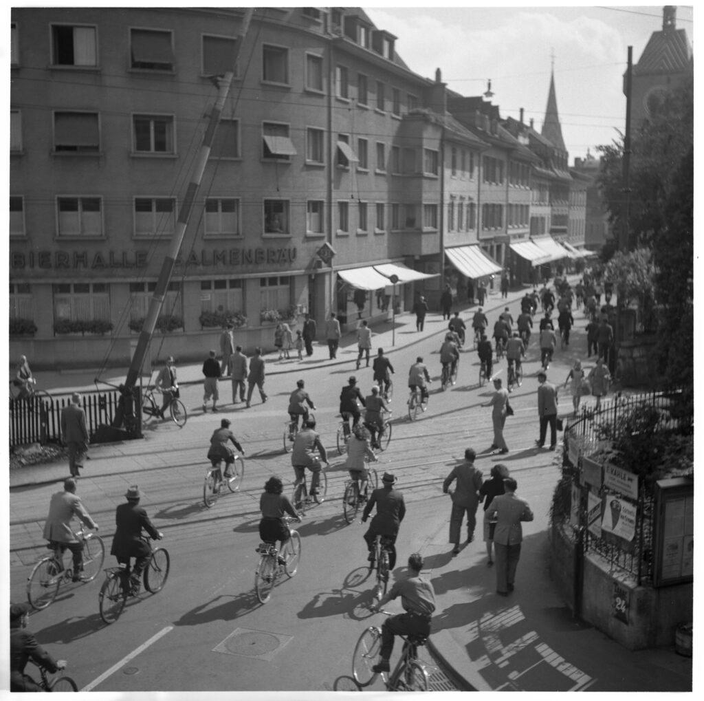 Veloverkehr 1951 Brugger Strasse in Baden